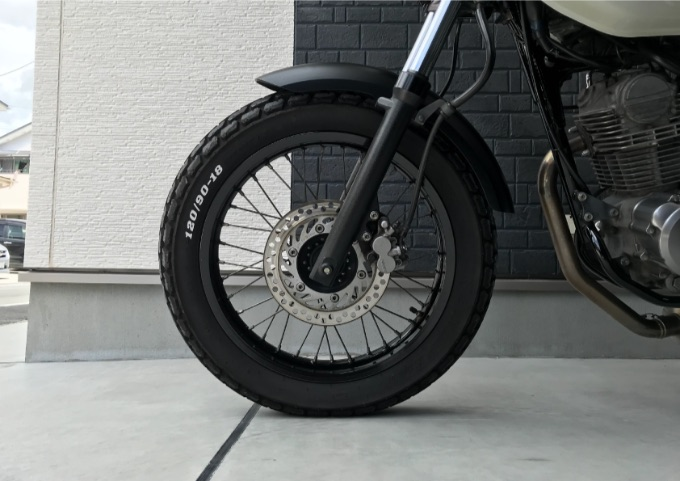 ホワイトレター タイヤ ペイント