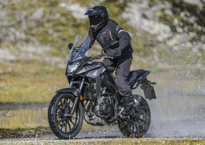 バイク 種類 アドベンチャー