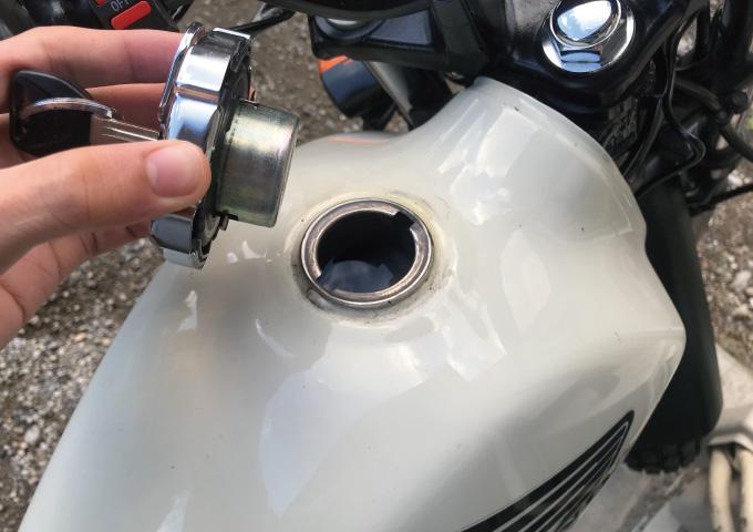 バイク エンジンかからない ガソリン劣化