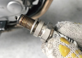 バイク エンジンかからない 点火プラグ