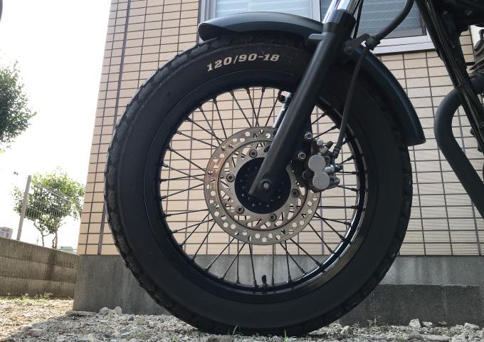 タイヤ 空気圧 低い