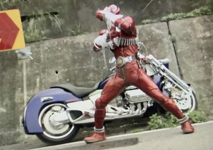仮面ライダー ワルキューレ バイク