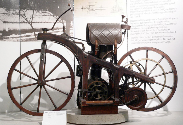 世界初のバイク オートバイ