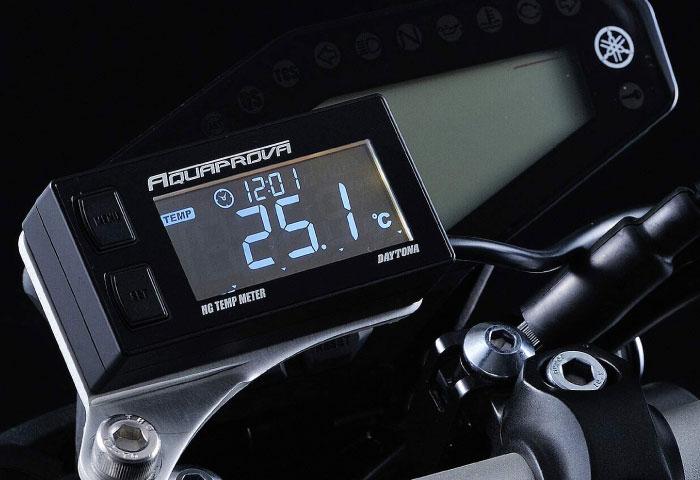バイク 時計 油温