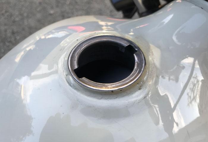 バイク 点検 タンク