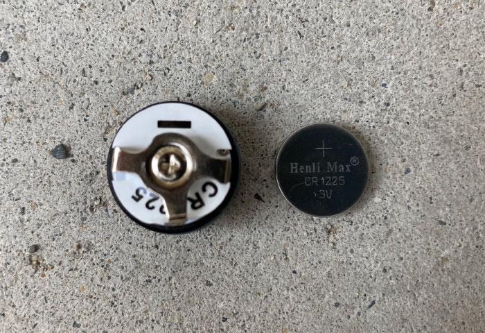 空気圧センサー バイク 電池