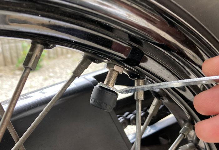 空気圧センサー バイク 取付