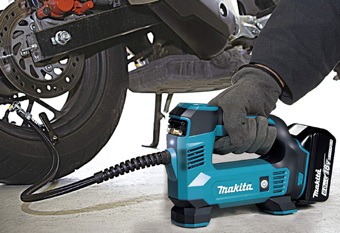 バイク タイヤ空気圧 マキタ