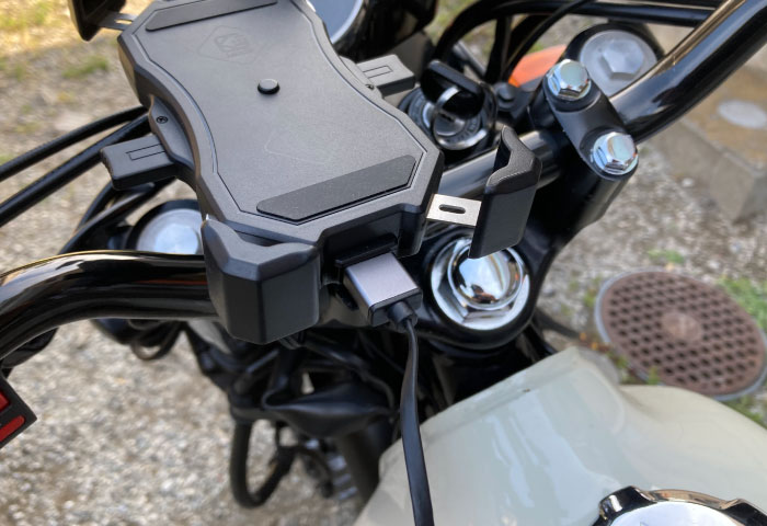 バイク用スマホホルダー QI充電 USB